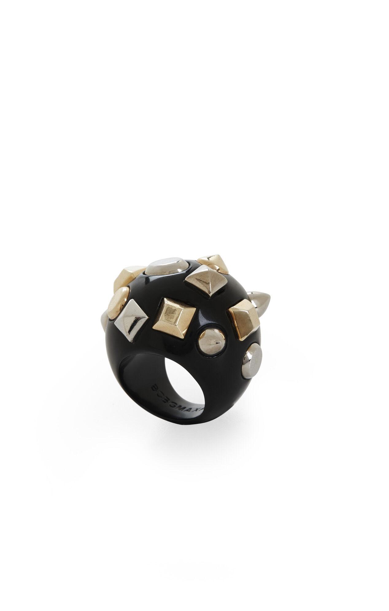 Multi-Stud Ring
